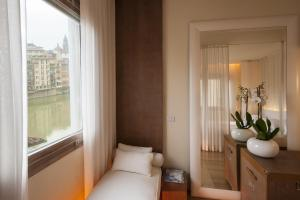 Deluxe Double Room - Arno River View