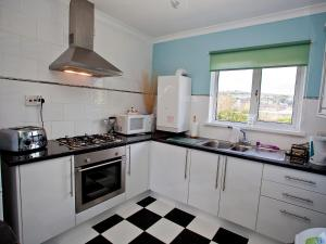 Marina Apartment, Apartmány  Swansea - big - 9