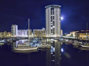 Marina Apartment, Apartmány  Swansea - big - 11