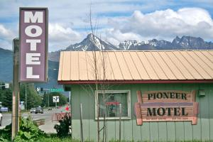 Photo of The Pioneer Motel