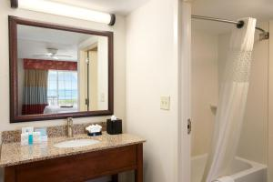 Suite with Ocean and Pool View