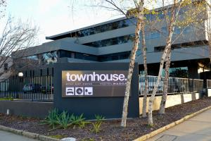 Photo of Townhouse Hotel