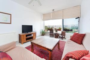 Kfar Saba View Apartment, Apartments  Kefar Sava - big - 16