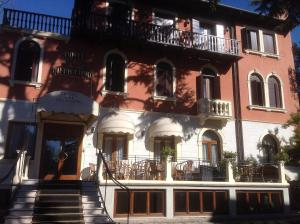 Photo of Hotel Villa Cipro