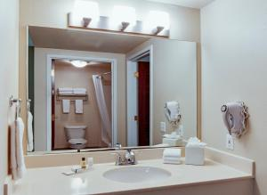 One-Room Double Queen Suite - Disability Access/Non-Smoking