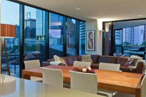 Boutique Stays - The Skyline Arena - Melbourne CBD, Victoria, Australia