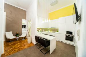 Photo of Matei Corvin Deluxe Apartment