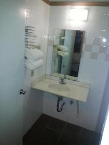 Deluxe King Room - Non-Smoking - Handicap Accessible