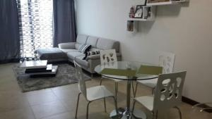 Photo of Apartamento Torres Paseo Colón