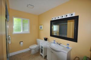 Queen Bed - Ground Floor Ensuite