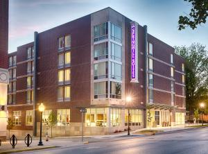 Photo of Spring Hill Suites By Marriott Bloomington