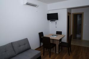 Apartments Deak, Apartmány  Janjina - big - 37