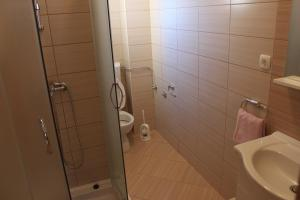 Apartments Deak, Apartmány  Janjina - big - 44