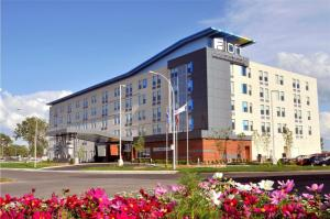 Aloft Montreal Airport By Starwood Hotels