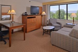 Junior King Suite with Spa Bath