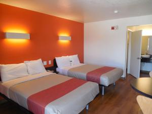 Double Room with Two Double Beds with Roll-In Shower - Disability Access