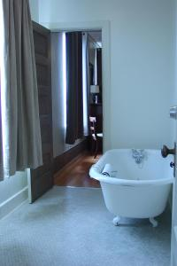 King Suite with Clawfoot Bathtub