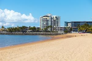 Photo of Australis Mariners North Holiday Apartments