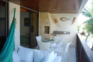 Two-Bedroom Apartment with Pool View - Vila Marlin