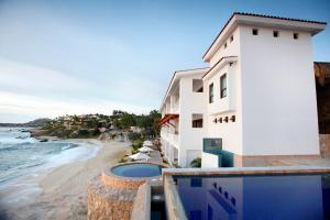 Photo of Cabo Surf Hotel