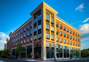 Photo of Hampton Inn & Suites Portsmouth Downtown
