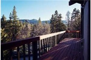 A Sunrise View By Big Bear Cool Cabins