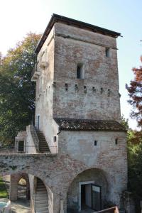 Massimago Wine Tower