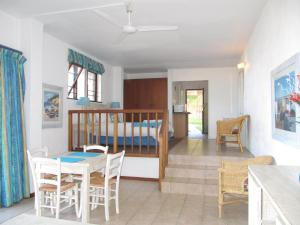 Beachfront Suites - Double Suite 1