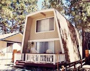Photo of A Humble Hilltop Hideaway By Big Bear Cool Cabins