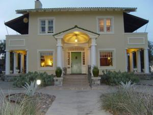 Photo of Catalina Park Inn Bed And Breakfast