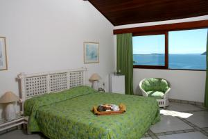 Master Suite with Spa Bath - Sea View (2 adults)