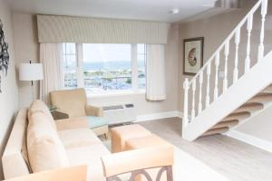 Oceanview Townhouse Suite