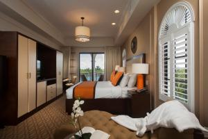 King Suite with Water View