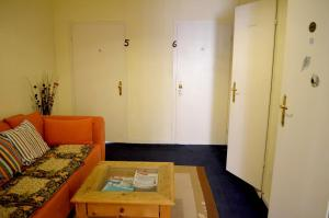 Triple Room with Shared Bathroom and -WC