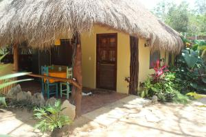 Bungalow with Patio
