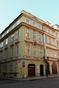 Domus balthasar hotel review prague travel for Domus prague