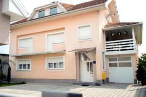 Photo of Guesthouse Tiban
