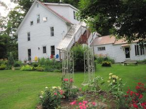 Photo of Maple House Bed & Breakfast