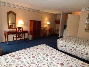 Double Room with Two Double Beds - Smoking