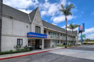 Photo of Motel 6 Anaheim Stadium   Orange