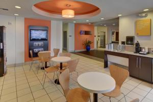 Motel 6 Fort Worth Northlake Speedway, Hotely  Roanoke - big - 20