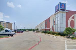 Motel 6 Fort Worth Northlake Speedway, Hotely  Roanoke - big - 37