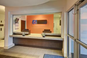 Motel 6 Fort Worth Northlake Speedway, Hotely  Roanoke - big - 27