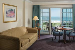 Queen Suite with Two Queen Beds and Ocean View