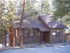 Photo of Boulder Beauty By Big Bear Cool Cabins