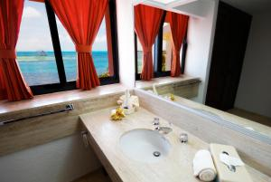 Two Bedroom Suite Beachfront
