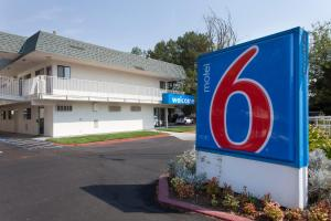 Motel 6 Davis - Sacramento Area, Hotely  Davis - big - 1