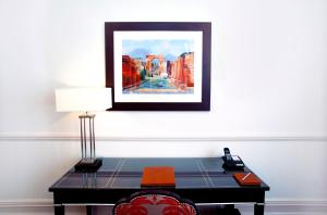 The Apartments by The Sloane Club - 26 of 28