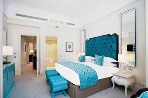 The Apartments by The Sloane Club - 16 of 28