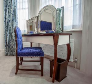 The Apartments by The Sloane Club - 17 of 28